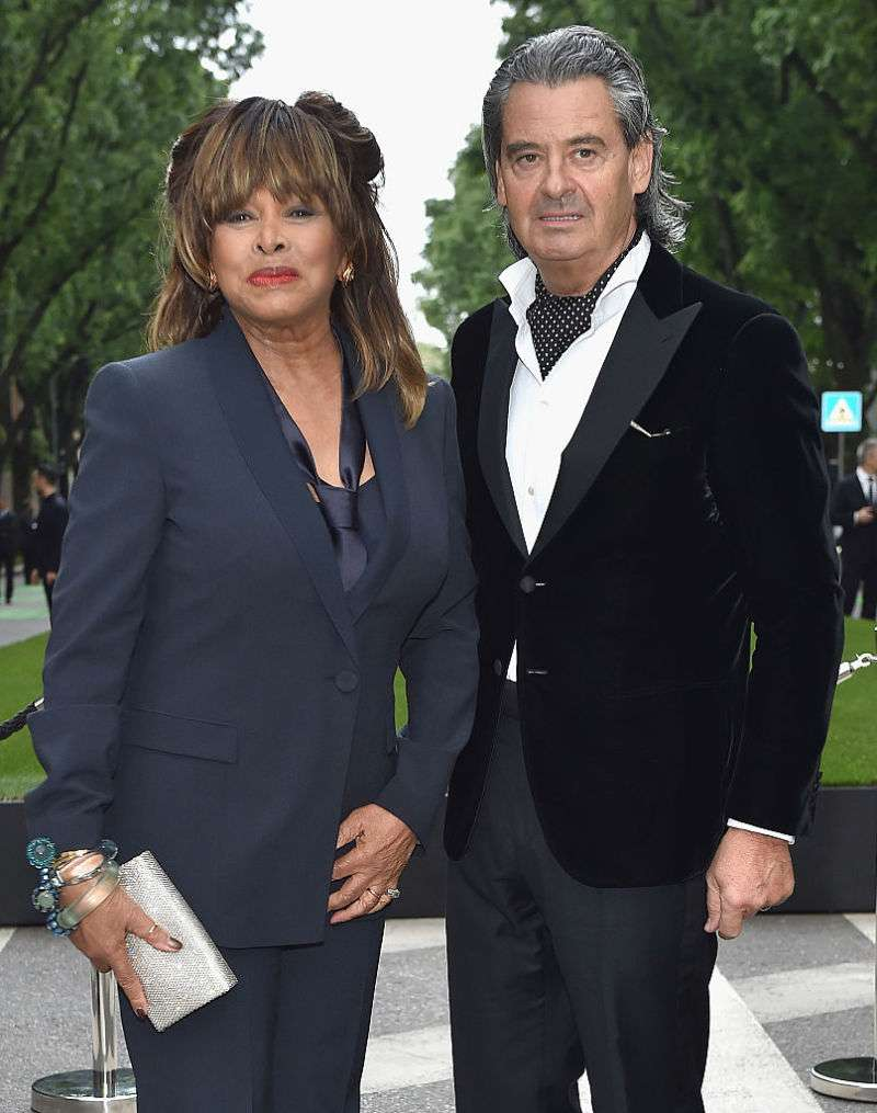 En l'espace de 5 ans, la légende musicale Tina Turner a subi un AVC, un cancer et le suicide de son filsTina Turner and Erwin Bach attend the Giorgio Armani 40th Anniversary Silos Opening And Cocktail Reception on April 30, 2015