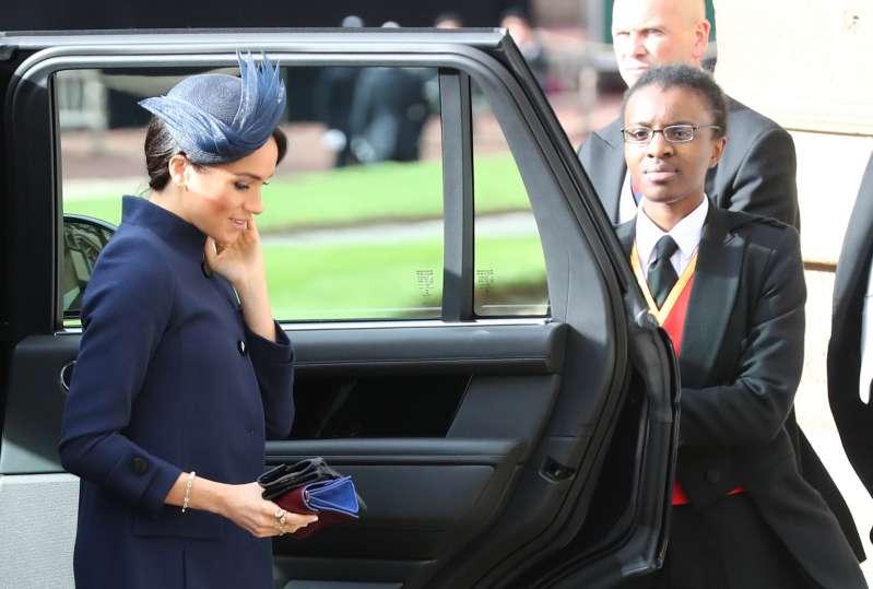 Uau! Os paparazzi descobriram o custo da roupa de Meghan usada no casamento da Princesa EugenieMeghan Markle pregnancy announcement