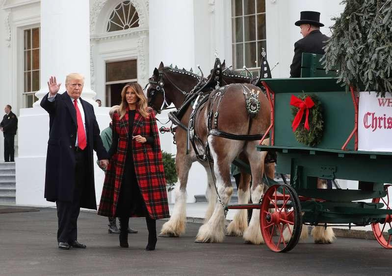 Welche Beziehung besteht zwischen Donald und Melania Trump? Ihre Körpersprache spricht Bände