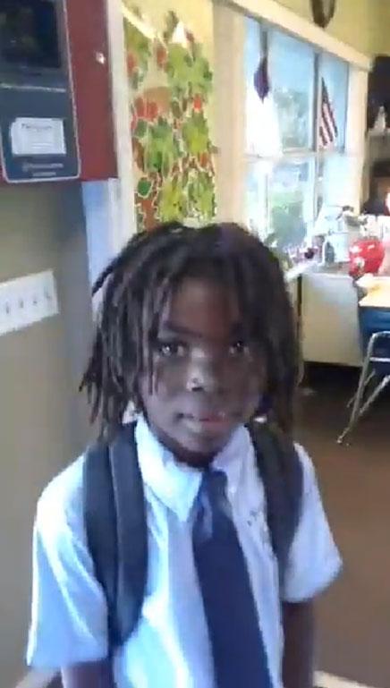 Un garçon de 6 ans se voit refuser l'accès à une école chrétienne à cause de ses dreadlocks
