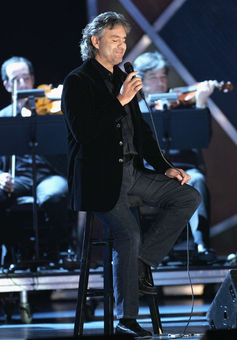 Andrea Bocelli Leaves The Audience Speechless With His Powerful Rendition Of Elvis Presley's Hit 'Can't Help Falling In Love'Andrea Bocelli Leaves The Audience Speechless With His Powerful Rendition Of Elvis Presley's Hit 'Can't Help Falling In Love'Andrea Bocelli Leaves The Audience Speechless With His Powerful Rendition Of Elvis Presley's Hit 'Can't Help Falling In Love'
