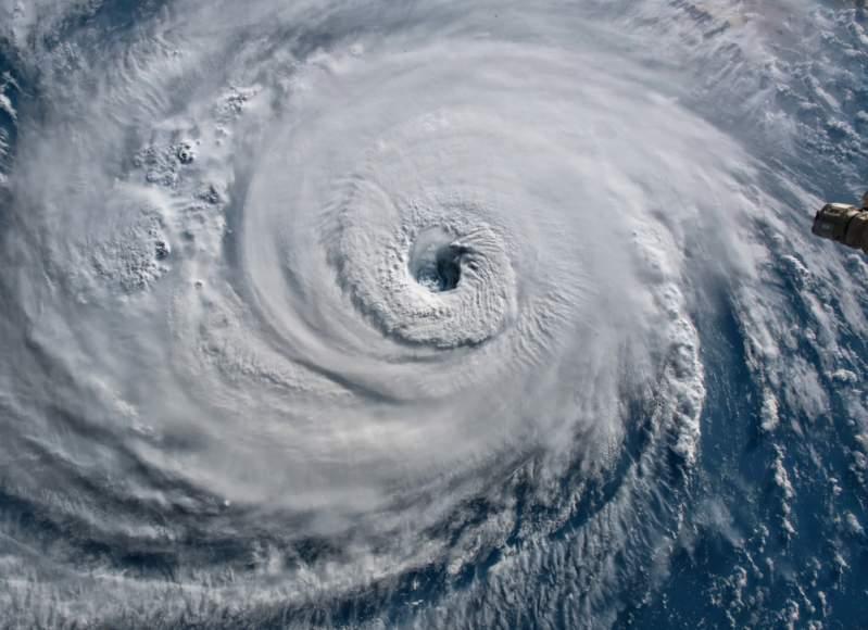 Nuevo huracán a la vista: Humberto se intensifica a toda velocidad y ya pasó a ser categoría 2Nuevo huracán a la vista: Humberto se intensifica a toda velocidad y ya pasó a ser categoría 2Nuevo huracán a la vista: Humberto se intensifica a toda velocidad y ya pasó a ser categoría 2