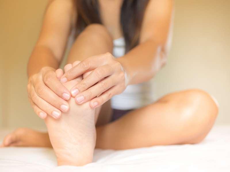 Dolore Alle Piante Dei Piedi : Le ragioni nascoste dietro i crampi alle gambe semplici