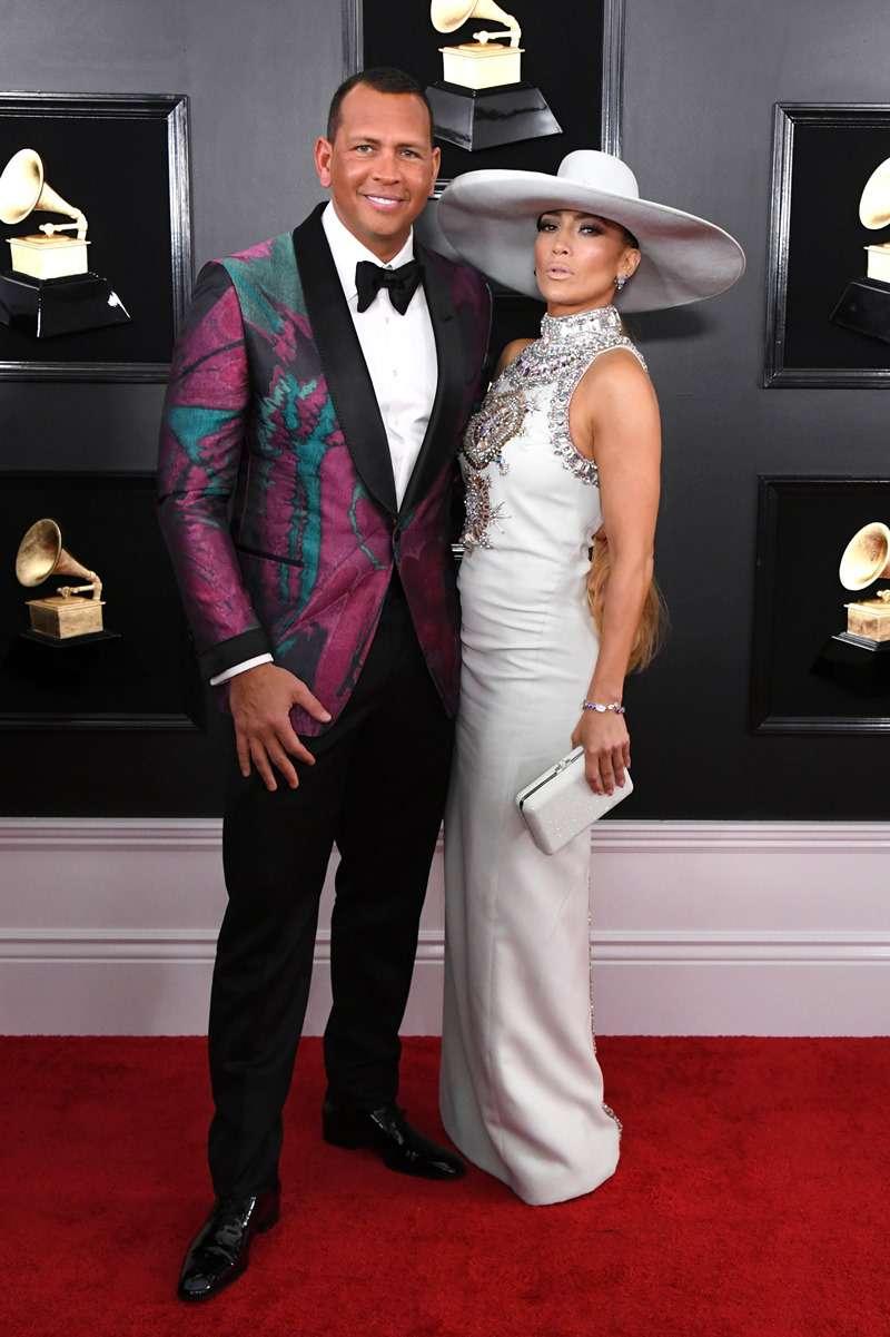 Jennifer Lopez et Alex Rodriguez sont apparus sur le tapis rouge des Grammy dans d'étranges tenues