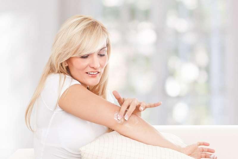4 неочевидные зоны, которые выдают возраст женщины