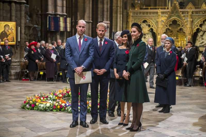 """O """"Quarteto Fantástico"""" está de volta! William, Kate, Harry e Meghan formaram um grupo e tanto no Festival da Lembrança"""