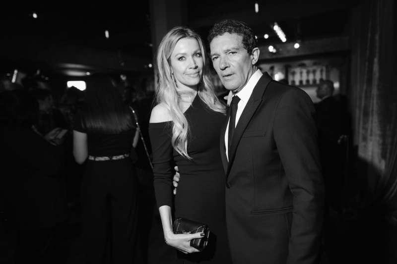 Antonio Banderas belyser den röda mattan med sin vackra flickvän 37 år, Nicole Kimpel