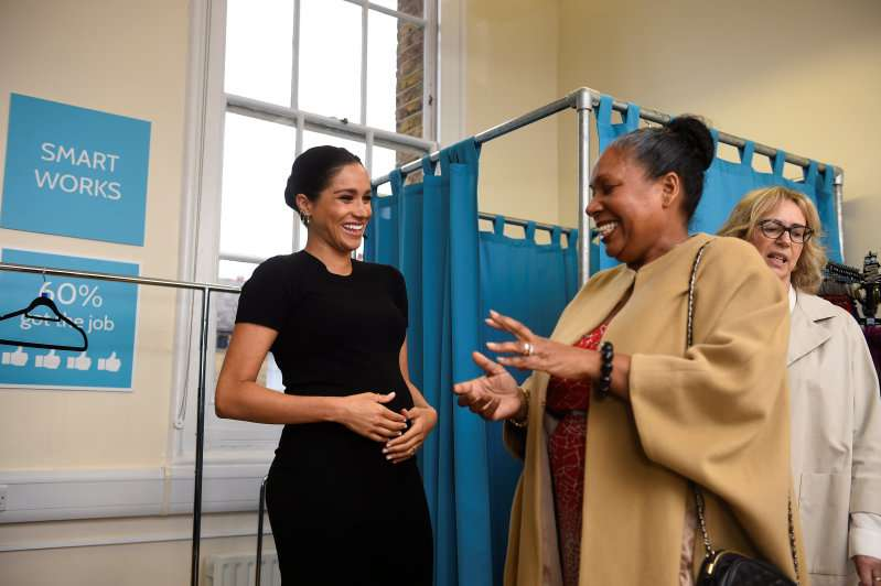 "Meghan Markle Was Harshly Slammed For Her Latest Outfit: ""Should Get A Stylist For Herself""Meghan Markle Was Harshly Slammed For Her Latest Outfit: ""Should Get A Stylist For Herself"""