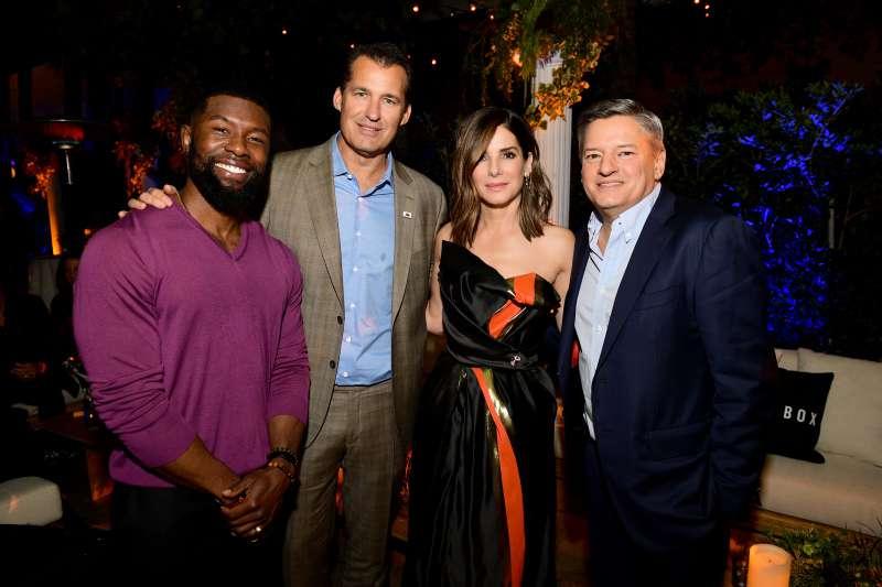 """Sandra Bullock zeigt ihren wunderschönen Körper in einem limettenfarbenen Tüll-Kleid bei der Premiere von """"Bird Box"""""""
