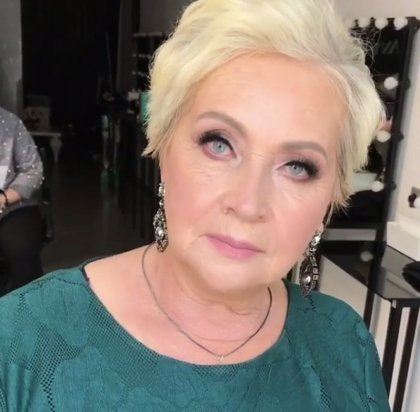 Woman Over 50 Looks Unbelievably Young After A Makeover: Did They Swap The Lady Or What?Woman Over 50 Looks Unbelievably Young After A Makeover: Did They Swap The Lady Or What?