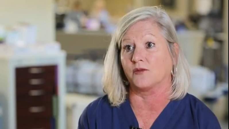 Enfermera salvó la vida de un hombre autista de 27 años: lo adoptó para que recibiera trasplante de corazónEnfermera salvó la vida de un hombre autista de 27 años: lo adoptó para que recibiera trasplante de corazón
