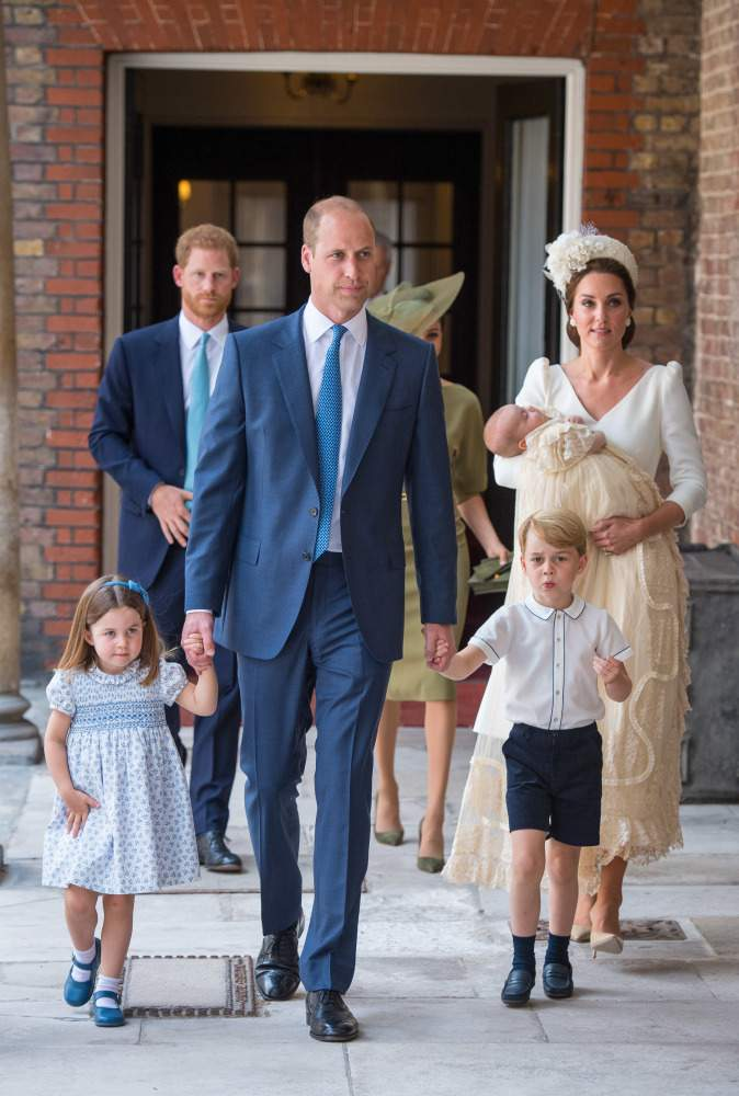 'Super Formal' Prince William Might Be Inspired By 'Intensely-Tactile' Prince Harry To Show Love And Affection In Public, According To Body Language Expert'Super Formal' Prince William Might Be Inspired By 'Intensely-Tactile' Prince Harry To Show Love And Affection In Public, According To Body Language Expert'Super Formal' Prince William Might Be Inspired By 'Intensely-Tactile' Prince Harry To Show Love And Affection In Public, According To Body Language Expert'Super Formal' Prince William Might Be Inspired By 'Intensely-Tactile' Prince Harry To Show Love And Affection In Public, According To Body Language Expert