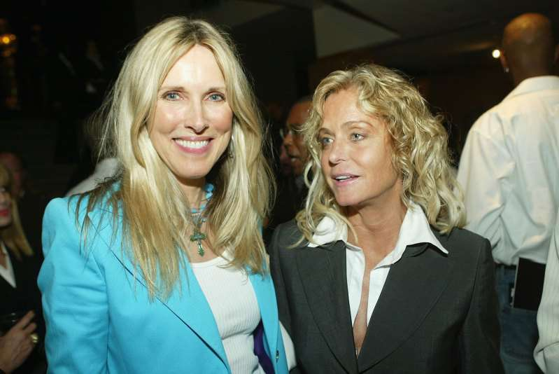 """Farrah Fawcett's Friend On How Desperately 'Charlie's Angels' Star Fought With Cancer: """"That Was Hard On Her""""Farrah Fawcett's Friend On How Desperately 'Charlie's Angels' Star Fought With Cancer: """"That Was Hard On Her""""Farrah Fawcett's Friend On How Desperately 'Charlie's Angels' Star Fought With Cancer: """"That Was Hard On Her"""""""