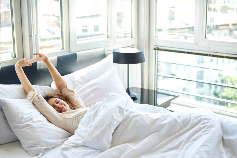Spend Mornings With Benefits: 5 Easy Moves For Perfect Legs