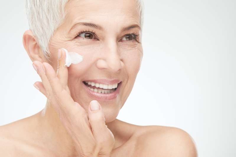 Eliminating Extra Years: 5 Golden Rules Of Anti-Aging Make-Up