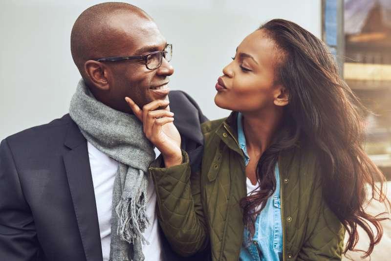 Científicos lo confirman: mientras más atractiva es la pareja, menos tiempo dura su relación