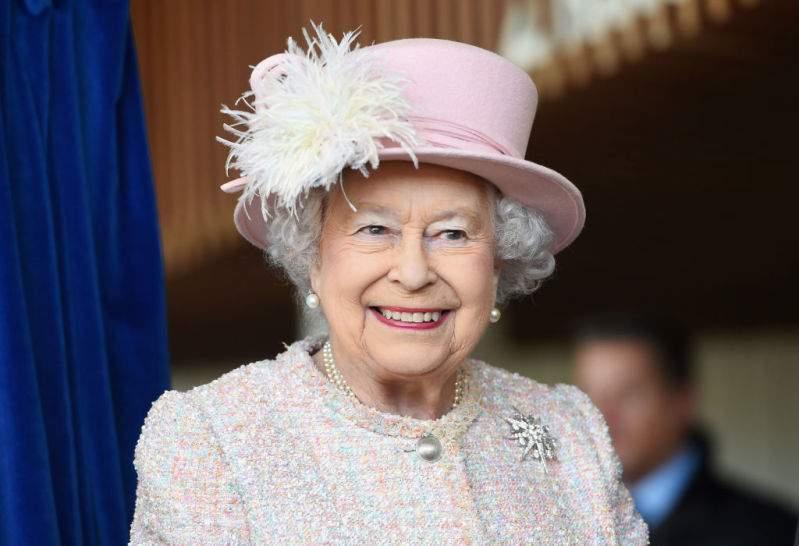 Kate Middleton definisce ancora nuove tendenze di stile: questa volta si tratta di accessori per il capo