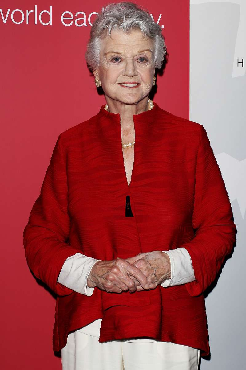 What A Stunner! Angela Lansbury's Shows Off Her Only Granddaughter In A Rare Red Carpet AppearanceWhat A Stunner! Angela Lansbury's Shows Off Her Only Granddaughter In A Rare Red Carpet AppearanceWhat A Stunner! Angela Lansbury's Shows Off Her Only Granddaughter In A Rare Red Carpet Appearance