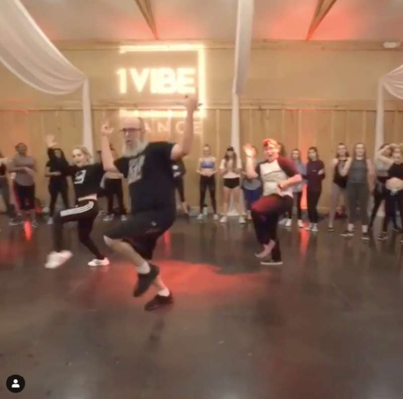 40-Year-Old Man Gets The Internet Hooked On His Impressive Dancing Skills As He Flawlessly Crushes A Hip-Hop Routine In A Viral Video