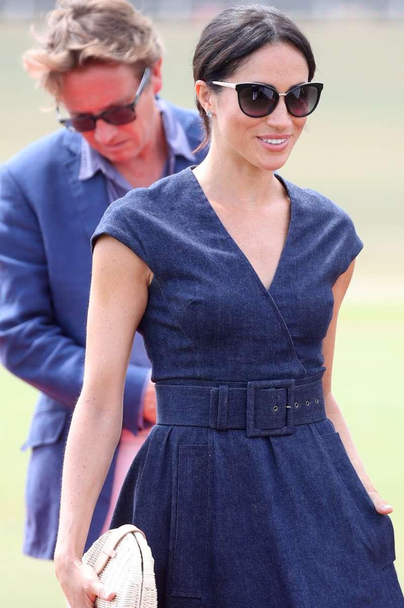 Самые стильные очки Меган Маркл, которые она носила в статусе герцогини. Выбираем фаворита!Самые стильные очки Меган Маркл, которые она носила в статусе герцогини. Выбираем фаворита!Самые стильные очки Меган Маркл, которые она носила в статусе герцогини. Выбираем фаворита!Самые стильные очки Меган Маркл, которые она носила в статусе герцогини. Выбираем фаворита!