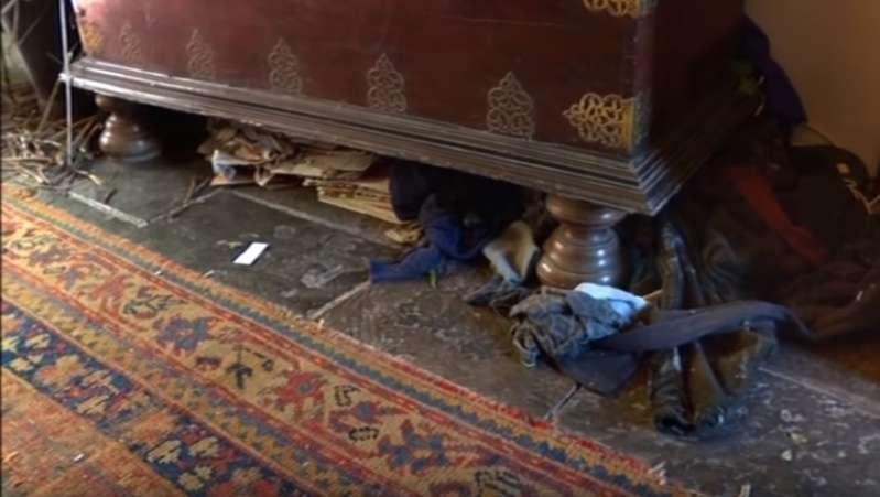 Женщина не убирала в своем роскошном поместье 29 лет. Двое помешанных на чистоте вылизали его до блеска!