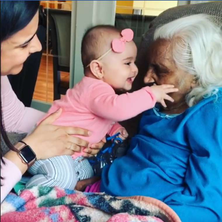'They Are Like Two Souls That Recognize Each Other': Baby Showed Pure Joy When She Met Her 104-Year-Old Great-Grandmother'They Are Like Two Souls That Recognize Each Other': Baby Showed Pure Joy When She Met Her 104-Year-Old Great-Grandmother