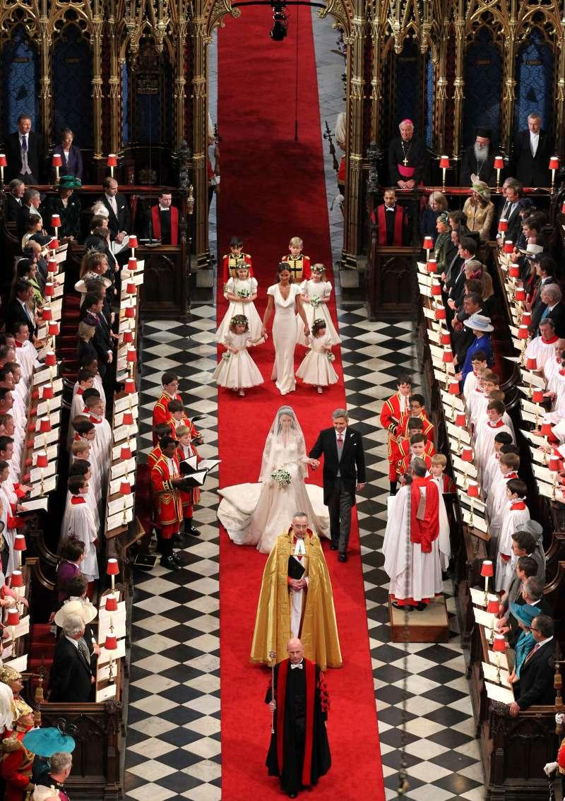 Révélations ! La reine Elizabeth avait mis William en garde avant son mariage avec Kate Middleton
