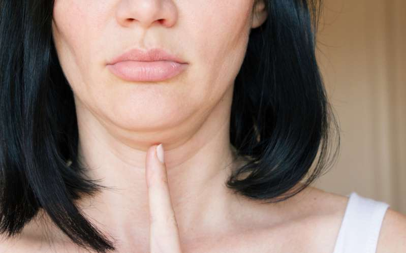 Want To Get Rid Of Stubborn Double Chin? Our 4 Easy Tricks Can Help To Hide It Without Surgery Or ExercisesWant To Get Rid Of Stubborn Double Chin? Our 4 Easy Tricks Can Help To Hide It Without Surgery Or ExercisesWant To Get Rid Of Stubborn Double Chin? Our 4 Easy Tricks Can Help To Hide It Without Surgery Or Exercises