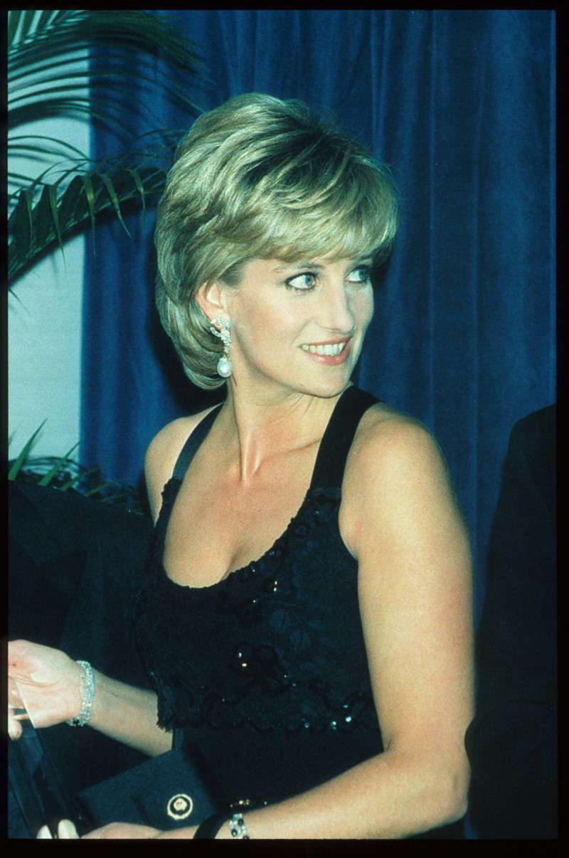 "Princess Diana's 1979 ""Thank You"" Letter Shows Her Enormous Passion For FoodPrincess Diana's 1979 ""Thank You"" Letter Shows Her Enormous Passion For FoodPrincess Diana's 1979 ""Thank You"" Letter Shows Her Enormous Passion For FoodPrincess Diana's 1979 ""Thank You"" Letter Shows Her Enormous Passion For Food"