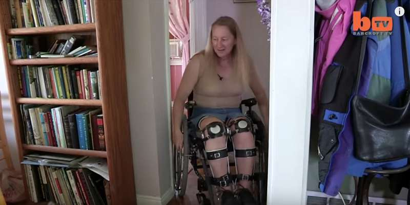 Disabled On Purpose: Woman With Rare Brain Condition Uses A Wheelchair Despite Having Healthy LegsDisabled On Purpose: Woman With Rare Brain Condition Uses A Wheelchair Despite Having Healthy Legs