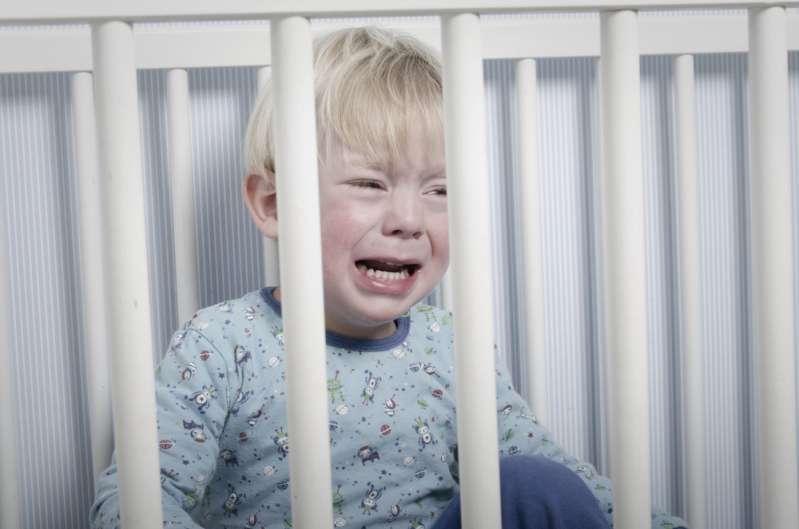 Мама чуть не задушила ребёнка своими волосами, пока спала, и теперь предупреждает других родителей