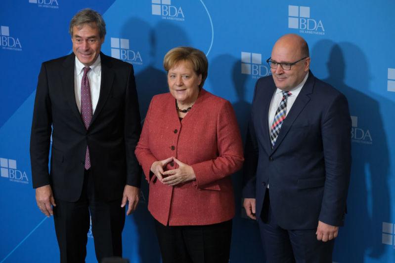 """La chancelière allemande en robe de soirée : avez-vous déjà vu Angela Merkel en version """"plus jeune"""" ?chancellor angela merkel"""