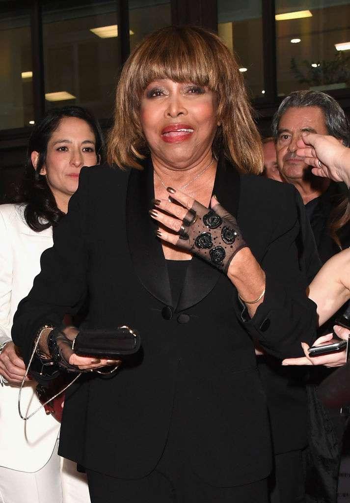 """""""Mon pire cauchemar"""" : lors d'un émouvant entretien, Tina Turner parle du suicide de son fils à cœur ouvert"""