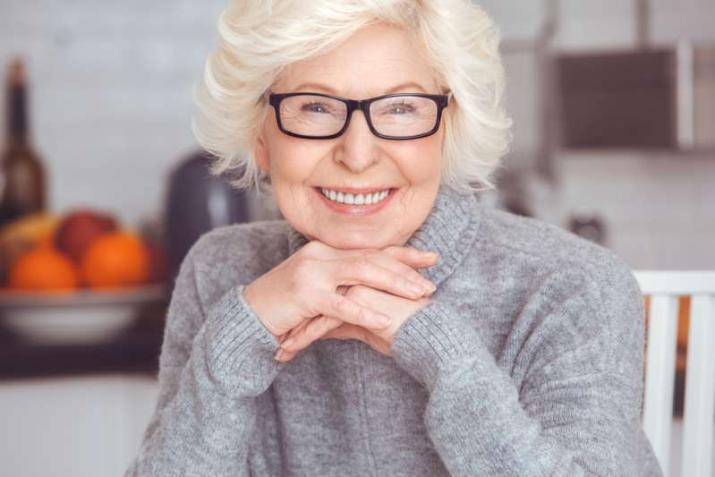 Minus Decades Off Her Age 76-Year-Old Woman Turned Her Dull-8237