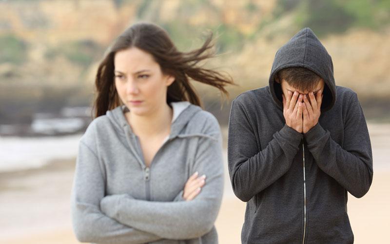 """5 """"harmlose"""" weibliche Gewohnheiten, die Männer dazu bringen dich zu verlassen"""