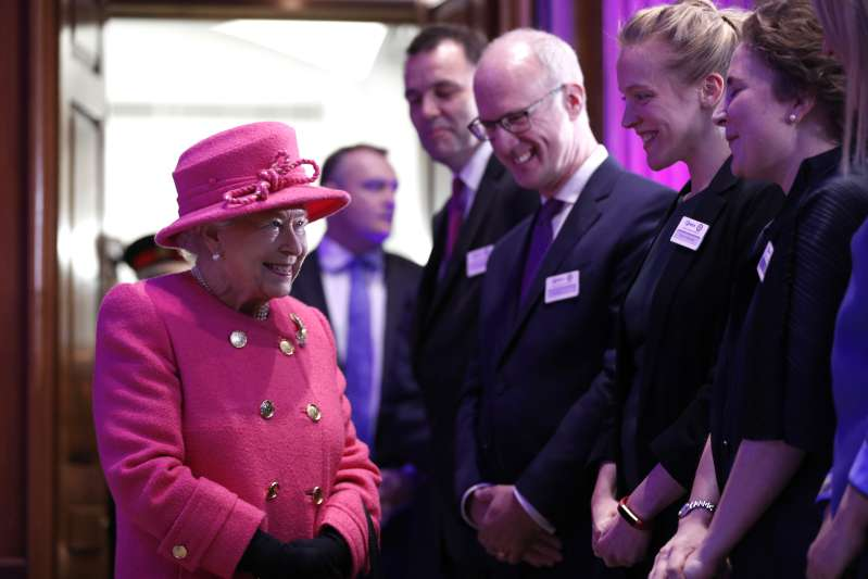 Pretty In Pink: The Queen Looks Absolutely Adorable In A New Outfit For Her Wedding AnniversaryPretty In Pink: The Queen Looks Absolutely Adorable In A New Outfit For Her Wedding Anniversarythe queen greets people