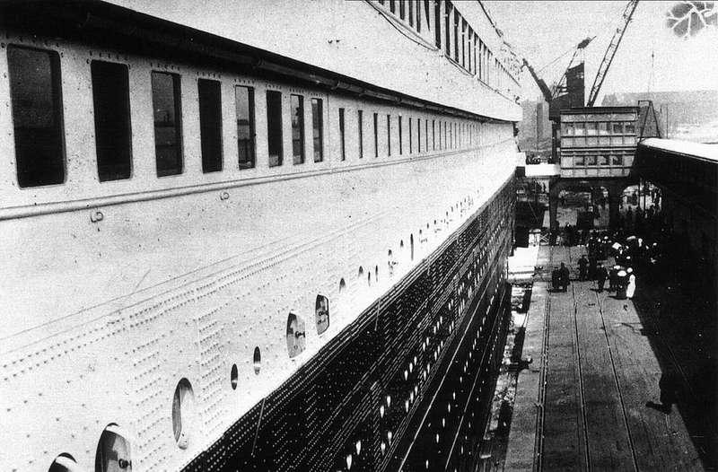 """Nada que ver con """"Jack y Rose"""": 22 imágenes escalofriantes del Titanic, cuando todavía flotaba"""