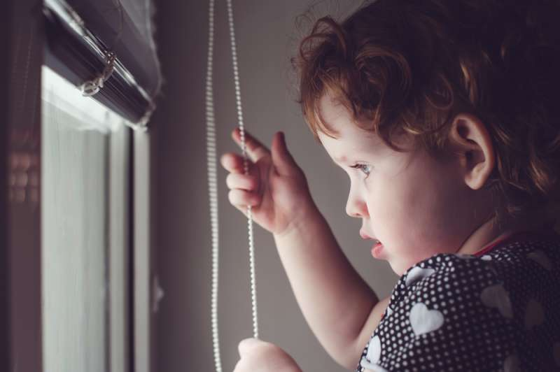 Warning That Could Save A Life: 3-Year-Old Child Almost Strangled Because Of Window Blinds