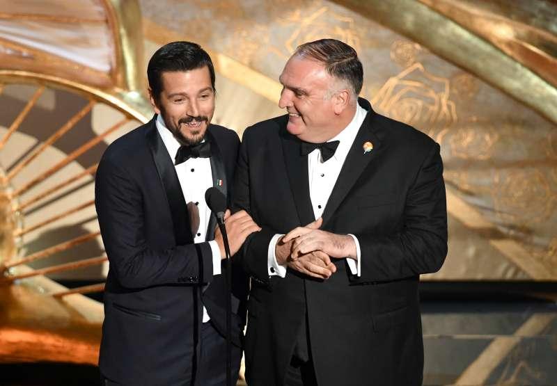 """En un español muy orgulloso, Diego Luna le dedicó sus mejores halagos a """"Roma"""" en los ÓscarEn un español muy orgulloso, Diego Luna le dedicó sus mejores halagos a """"Roma"""" en los Óscar"""