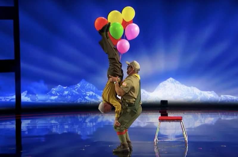 Hombre de 84 años dice que la edad es solo un número, así lo demuestra con su rutina acrobática