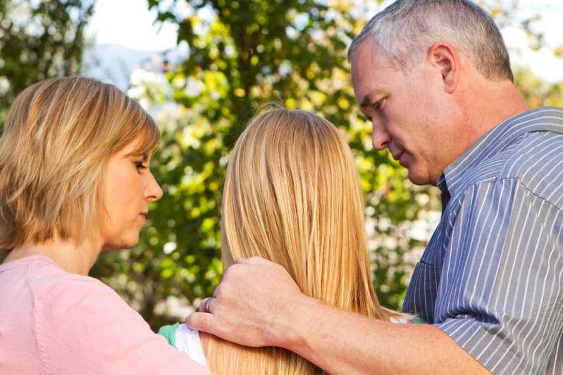 """La suocera pensa che il neo papà dovrebbe stare lontano dalla figlia e seguire le regole del """"Regno animale"""""""