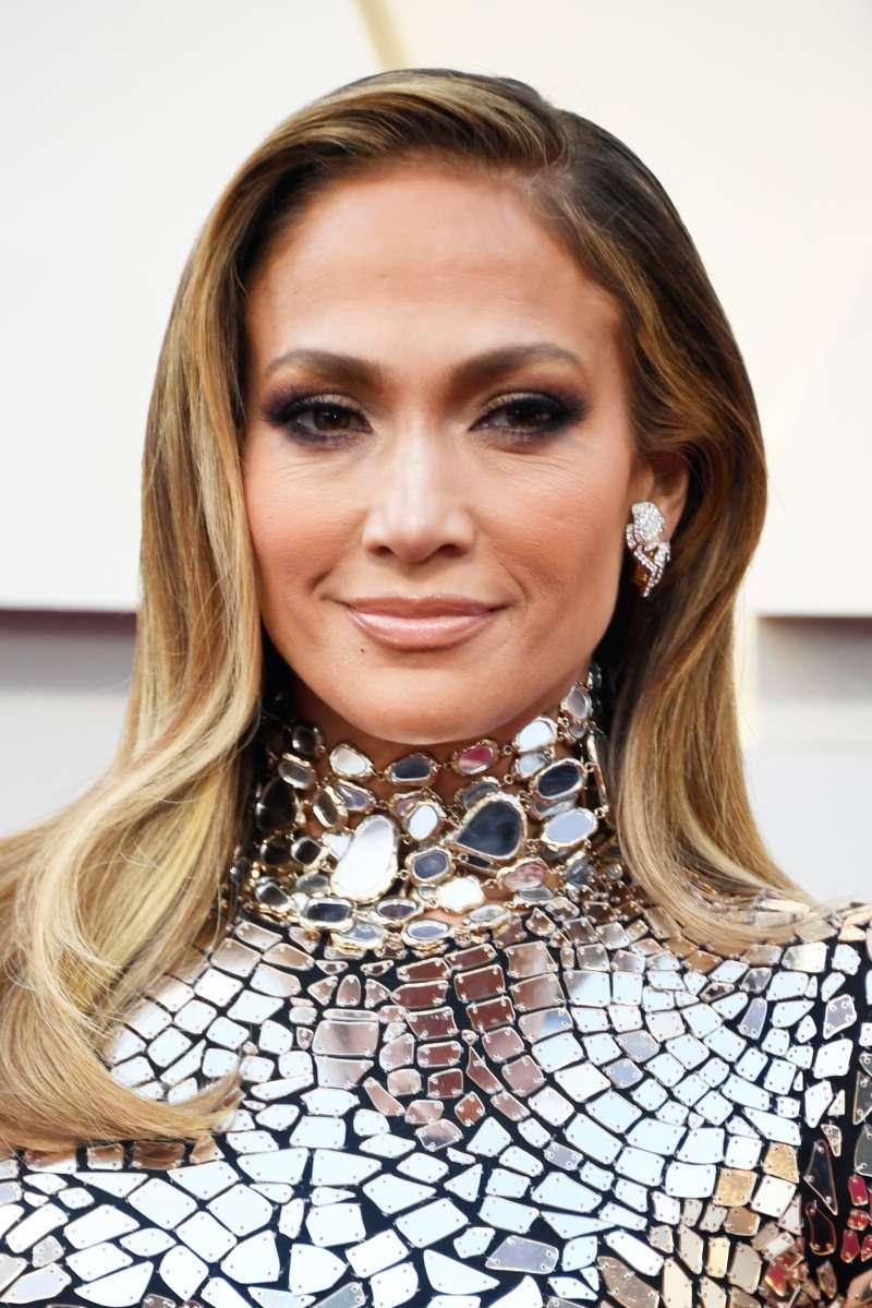 5 cortes de cabello inspirados en celebridades para rejuvenecer a las mujeres mayores de 40 años