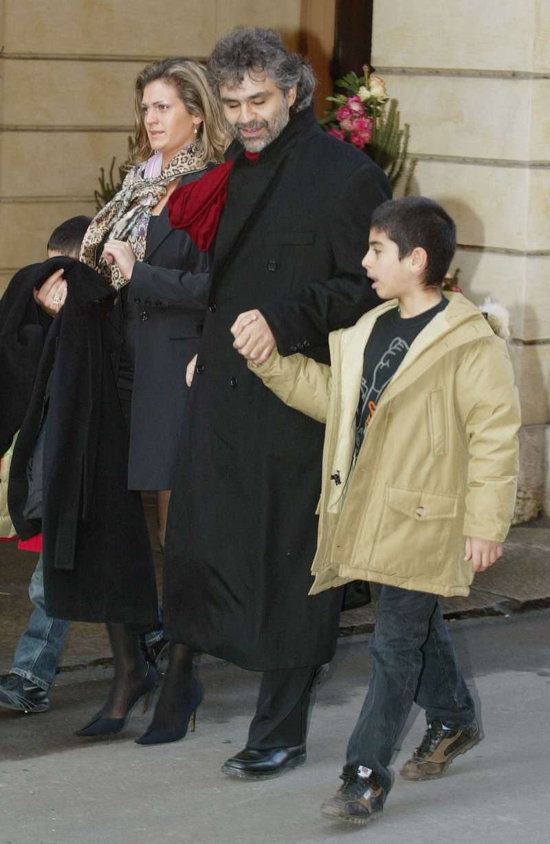 A True Family Man: 20 Photos That Show A Different Side Of Wonderful Singer Andrea BocelliA True Family Man: 20 Photos That Show A Different Side Of Wonderful Singer Andrea Bocelli