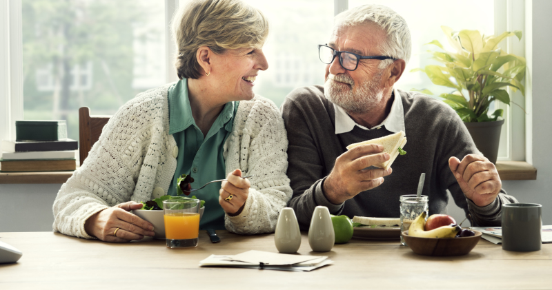Sneaky Parkinson's: How Can Your Eyes Indicate The Onset Of The Disease Before The Main Symptoms?Two retired people having breakfast together