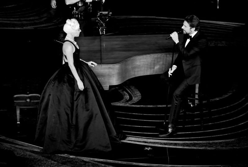 Bradley Cooper And Lady Gaga Reunite To Perform Their Hit Song  'Shallow' At The Oscars, And Twitter Users Are Drooling Over Them-