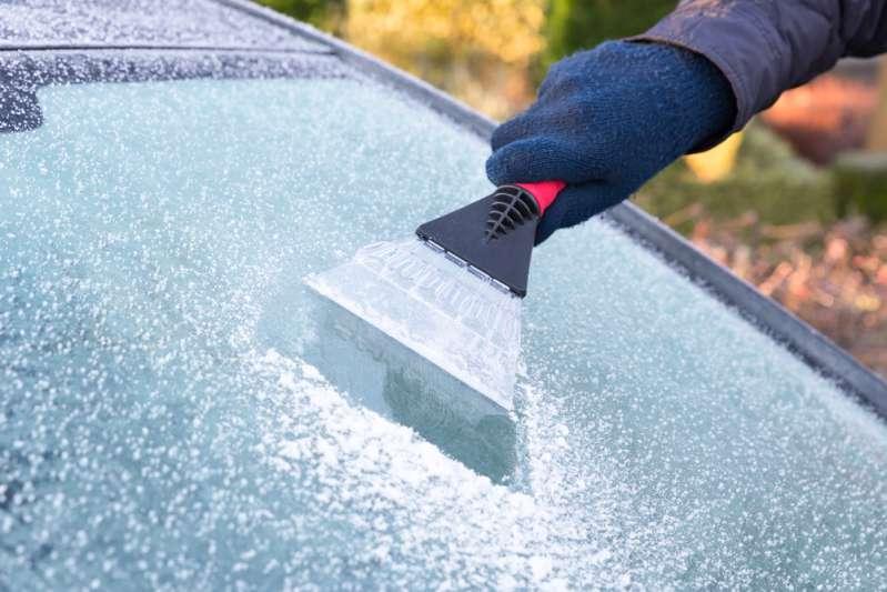 Автомобильные лайфхаки для холодной поры. Вот почему не стоит прогревать свою машину зимой!