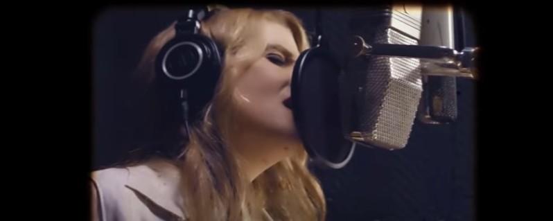 Lisa Marie, la fille d'Elvis Presley, se rapproche de son défunt père à travers un magnifique duo