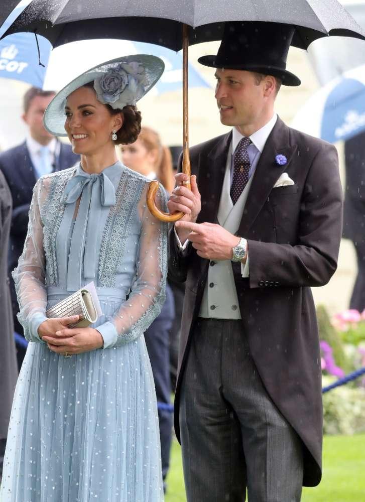 """""""Kate Middleton non ha personalità"""": la Duchessa sotto accusa per aver copiato i look delle altre reali"""