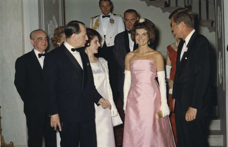 Jackie Kennedy's Second Marriage Made Her One Of America's Most Ridiculed Women. But Was She Happy Or Desperate?Jackie Kennedy's Second Marriage Made Her One Of America's Most Ridiculed Women. But Was She Happy Or Desperate?Jackie Kennedy's Second Marriage Made Her One Of America's Most Ridiculed Women. But Was She Happy Or Desperate?Jackie Kennedy's Second Marriage Made Her One Of America's Most Ridiculed Women. But Was She Happy Or Desperate?