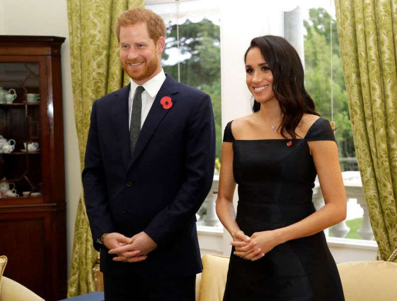 'Queen Of Style': Meghan Markle Looks Sensational In A Chic Elegant Black Dress Amid The Royal Tour Of New Zealand'Queen Of Style': Meghan Markle Looks Sensational In A Chic Elegant Black Dress Amid The Royal Tour Of New Zealand'Queen Of Style': Meghan Markle Looks Sensational In A Chic Elegant Black Dress Amid The Royal Tour Of New Zealand